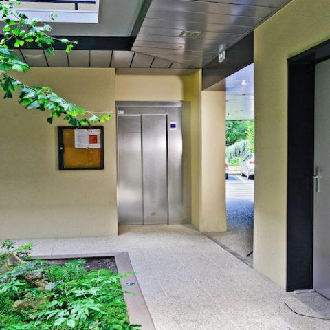 Mistral ascenseurs automatismes fermetures maison for Ascenseur maison individuelle